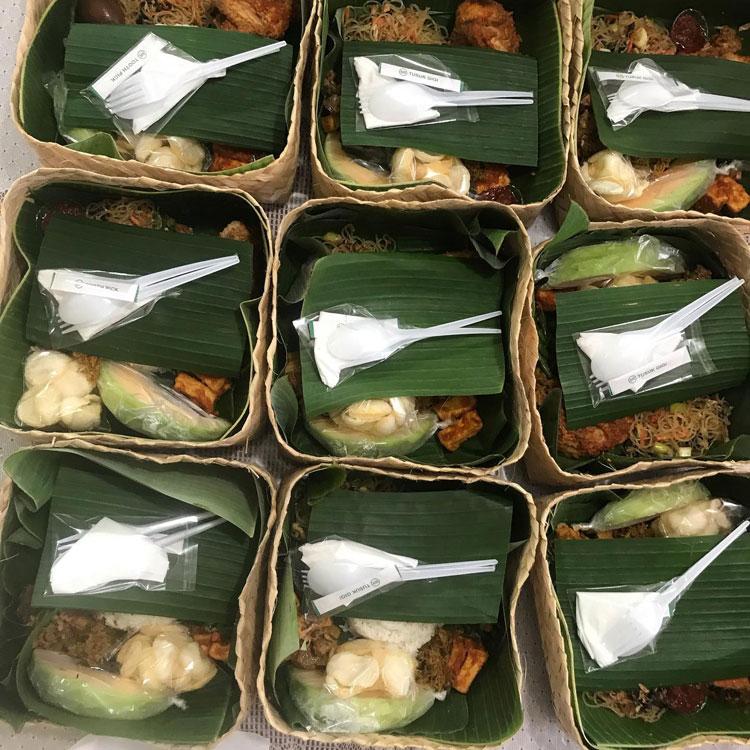 Nasi kotak besek di denpasar Bali